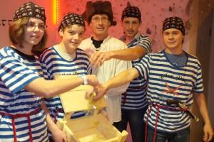 Piraten sammelten im Piraten für den Piraten