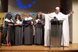 Auch der Papst begrüßte die Anwesenden...